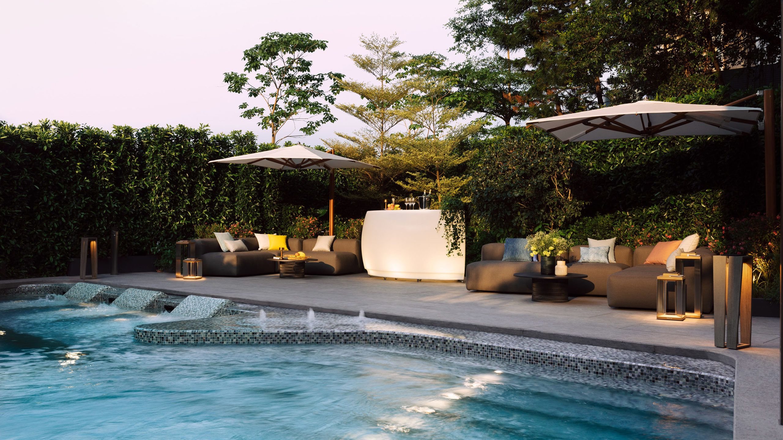 Wellness Pool (Night)